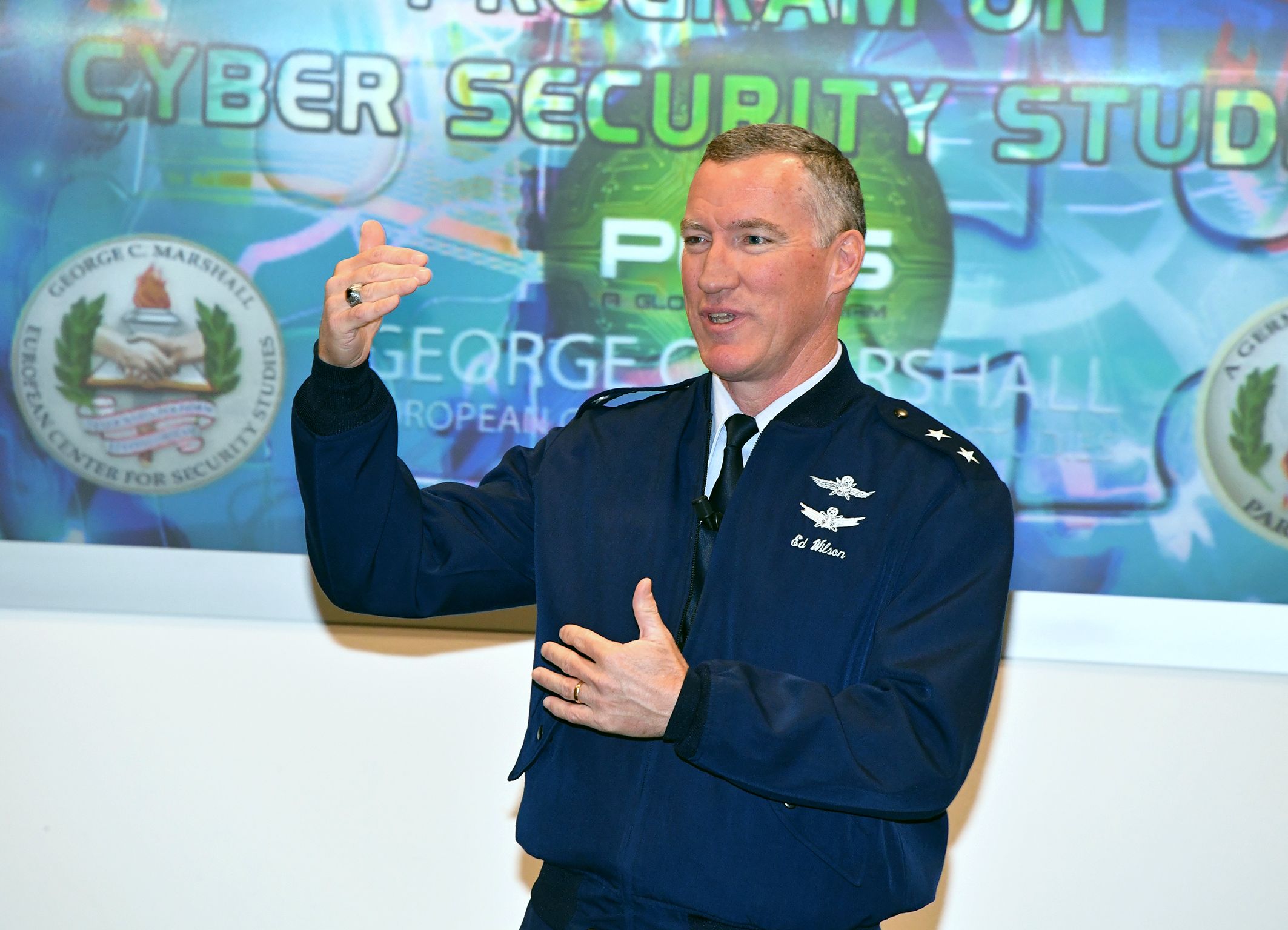 https://media.defense.gov/2017/Dec/06/2001853141/-1/-1/0/171205-D-DM356-0259.JPG