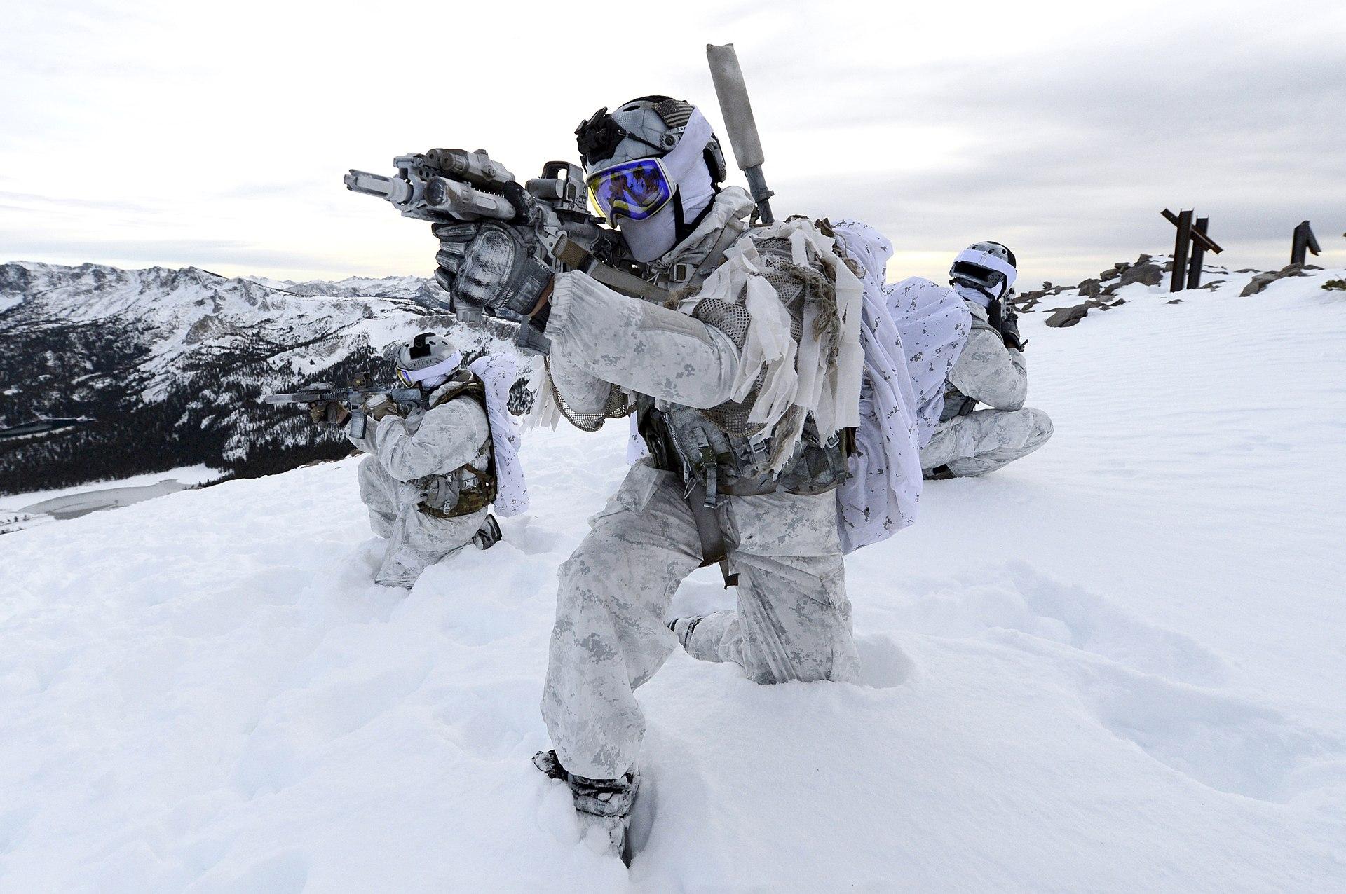 1920px-Navy_Seals_Winter_warfare_at_Mammoth_Mountain,_California,_in_December_2014