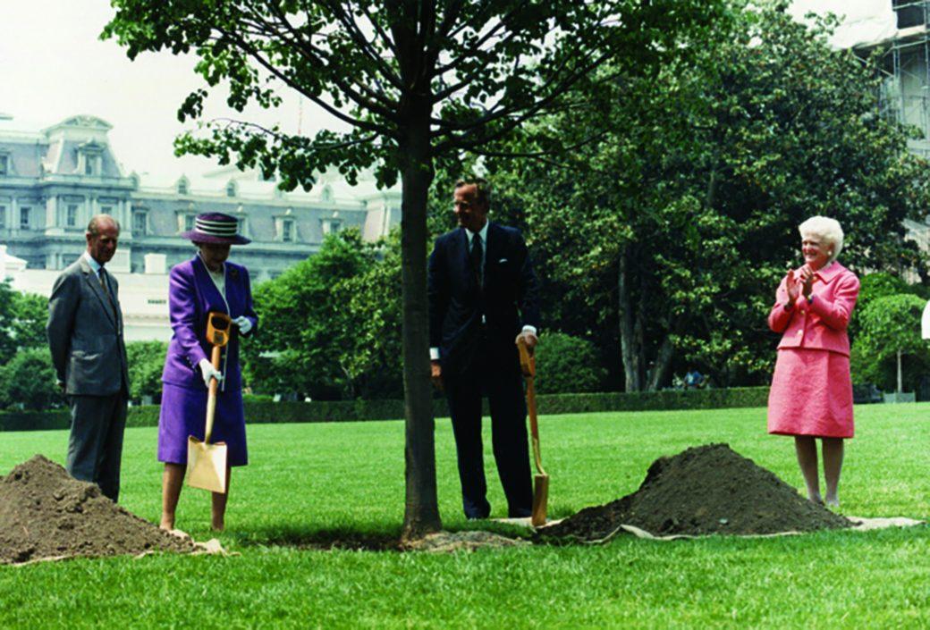 https://www.whitehouse.gov/wp-content/uploads/2018/04/Queen_Elizabeth_Planting_1991.jpg