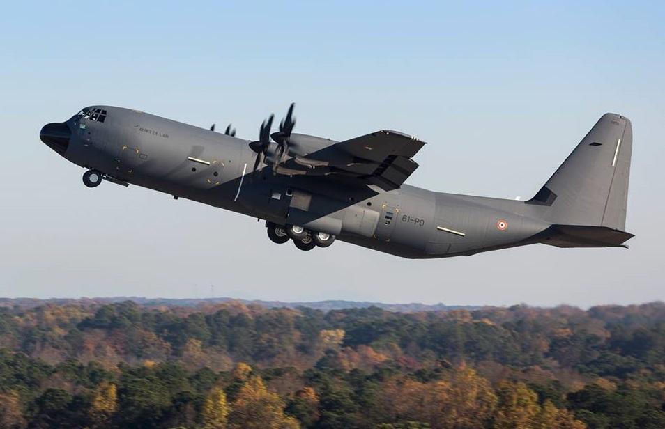 C-130J-30-AA_1er vol_LM